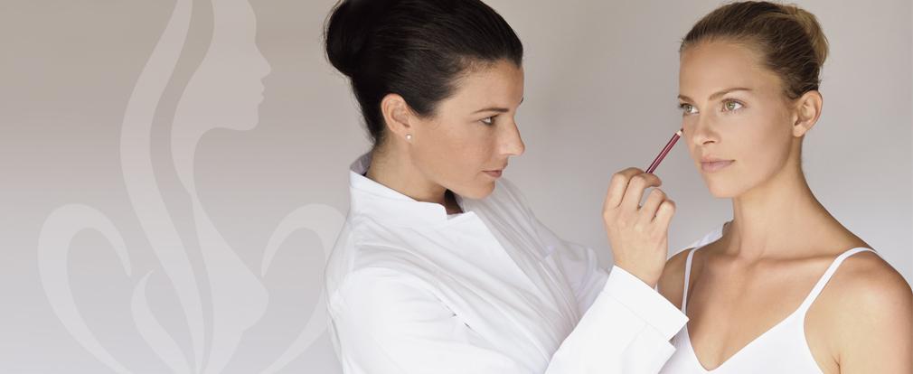 Wir treten für eine werteorientierte Schönheitschirurgie ein. Unsere Philosophie baut auf innovativen Behandlungsmethoden und sorgfältiger Beratung auf.