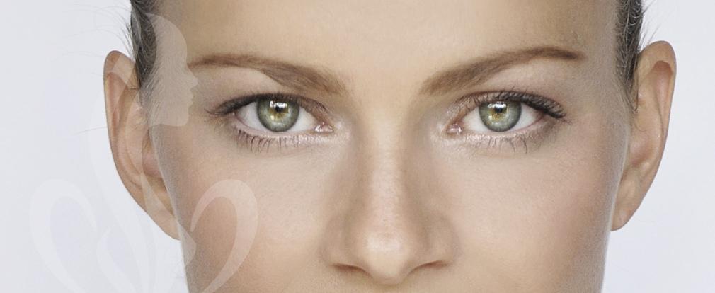 Bei entsprechender Veranlagung können Schlupflider bereits ab dem 30. Lebensjahr auftreten. Eine Lidstraffung bewahrt ihren frischen Blick.